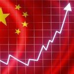 Economía de China crece a un año de que surgiera el coronavirus
