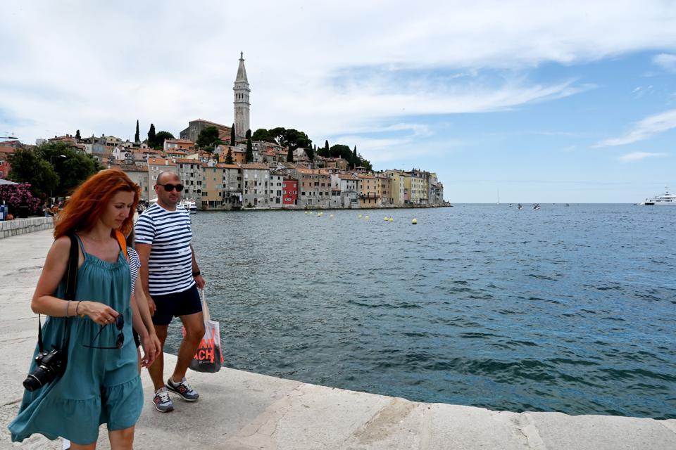 Economía de Croacia abre puertas a turistas con vacuna