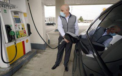 El precio de la gasolina en Estados Unidos no había subido tanto en 7 años